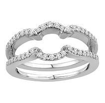 i wannnnt itttt :) lol...as if my ring isn't GORGEOUS enough already.