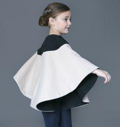 Nueces moda infantil nos sorprende con una colección madura, elegante y atemporal para los niños pequeños y mayores. Tienda online.