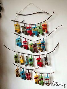domácí adventní kalendář - Hledat Googlem Christmas Countdown, Wind Chimes, Diy And Crafts, Christmas Decorations, Xmas, Advent Calendars, Outdoor Decor, Zero Waste, Inspiration