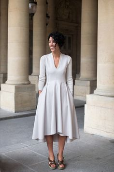 Yasmin Sewell: Stylish Girl - ilikeiwishiheartilikeiwishiheart I want this dress. Trend Fashion, Look Fashion, Womens Fashion, Fashion Design, Fashion Shoes, Girl Fashion, Pretty Dresses, Beautiful Dresses, Gorgeous Dress