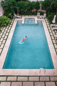 Amazing Swimming Pools, Swimming Pool Tiles, Swimming Pool Landscaping, Small Swimming Pools, Above Ground Swimming Pools, Swimming Pools Backyard, Swimming Pool Designs, Landscaping Design, Mulch Landscaping