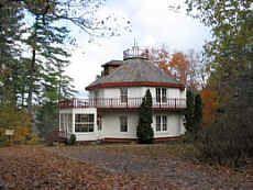 Octagonal_Architecture_Woodchester Villa - Bracebridge, Ontario