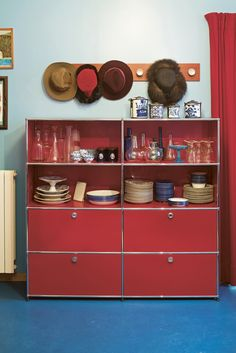 Meuble d'appoint USMHaller, élément essentiels de salon, salle à manger et cuisine