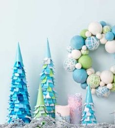 Paper Christmas Trees DIY Craft from our friends at Country Woman