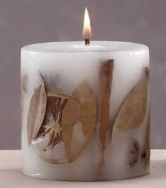 The best DIY projects & DIY ideas and tutorials: sewing, paper craft, DIY. Diy Candles Ideas See full size image -ReadLooking for some of the best scented candles? Beautiful Candles, Best Candles, Diy Candles, Scented Candles, Pillar Candles, Candle Art, Candle Magic, Candle Lanterns, Velas Diy