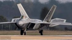 Raf Lakenheath Home of the Fighter wing. Us Military Aircraft, Military Weapons, Military Vehicles, Air Force Fighter Jets, F22 Raptor, Combat Gear, Jet Plane, Fighter Aircraft, Military History
