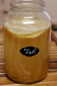 New Culture or Honey Kombucha Hybrid? - (Cultured Food Life) says you can use a scoby from regular kombucha (scroll down after the recipe to the comments, talks about not boiling the honey & using raw-unfiltered honey) Jun Kombucha, Kombucha Drink, Kombucha Starter, Kombucha Scoby, Fermented Tea, Fermented Foods, Kefir, Jun Recipe, Jun Tea