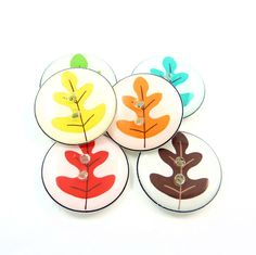 """6 Oak Leaf Buttons.  Bright handmade buttons.  Handmade by Me.  3/4"""" or 20 mm.  Washer and Dryer Safe. by buttonsbyrobin on Etsy"""