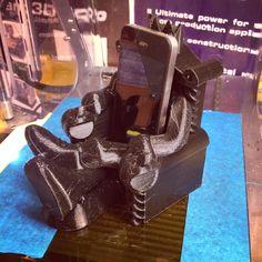 iPhone pöytäteline tulostettu ZMorph 3D-tulostimella.