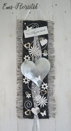 Door wreath door decorator Door decoration vine mat heart metal Welcome gray-white Hello and welcome! This vine mat can be used as a wall or door hanging. Decorated with felt ribbon, Diy Wreath, Door Wreaths, Advent Wreath Candles, Wood Butterfly, Christmas Crafts, Christmas Decorations, Round Balloons, Diy Trellis, Selling Handmade Items