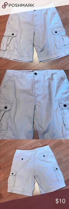 Arizona Cargo Shorts Good condition. No flaws. Khaki. Size 34 Arizona Jean Company Shorts Cargo