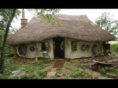 Farmer hand-builds charming cob house for $250 (Video) : TreeHugger