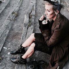 Rock mood ❤️ En ce moment je suis fan de dentelle et de boots cloutées (ah non ça c'est tout le temps 😂) - lien du look sur le blog  At the moment I want lace and rock boots ( oh no I always want it 😂) Similar Details on blog or on liketoknow.it  http://liketk.it/2ppKt .  #liketkit #streetstyle #littlebohoblog #ootd #boho #rock #studs #boots #motoboots #lace #black #khaki #blogger #bogueuse #mode #look #lille