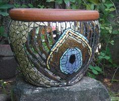 Mosaic Planters, Mosaic Vase, Mosaic Garden, Planter Pots, Flower Pots, Flowers, Pebble Art, Garden Pots, Pattern Ideas