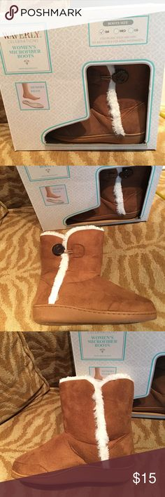 Waverly women's faux fur boots Cozy boots with button detail on the outside. Brand new never worn. waverly Shoes Ankle Boots & Booties