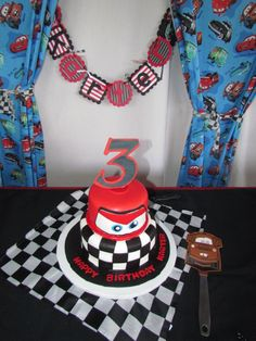 LOVED how perfect his Cars Cake was.