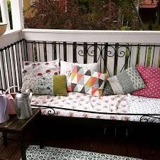 rautasohva terassilla - Google-haku Porch Swing, Outdoor Furniture, Outdoor Decor, Bed, Google, Home Decor, Decoration Home, Stream Bed, Room Decor