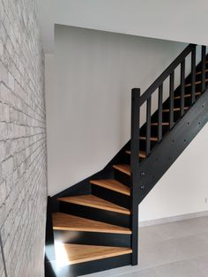 House Staircase, Staircase Remodel, Staircase Design, Home Room Design, Dream Home Design, Home Interior Design, House Design, Flooring For Stairs, Stair Decor