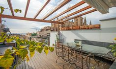 Roof terrace with views to the cathedral