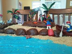 Pirate Island Cake decorated with Playmobil Pirates