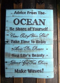 beach decor made from old pallets - a great gift for all my surfy friends!