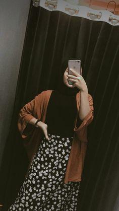 Casual Hijab Outfit, Ootd Hijab, Casual Outfits, Fashion Outfits, Hijab Fashion Inspiration, Korean Outfits, Muslim Fashion, Aesthetic Clothes, Anatomy