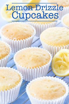 Lemon Drizzle Cupcakes recipe: Cupcakes are easy to make and absolutely jam-pack. - Another cooking board because that's original - Cupcakes Lemon Recipes, Sweet Recipes, Baking Recipes, Dessert Recipes, Lemon Cupcake Recipes, Lemon Desserts, Cupcake Thermomix, Churro Rezept, Lemon Drizzle Cupcakes