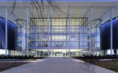 Edward P. Evans Hall, Yale School of Management, New Haven   Foster + Partners