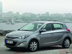 2013 Hyundai i20 gets some interior upgrade than the previous model to give enhanced level for drivers and passengers.