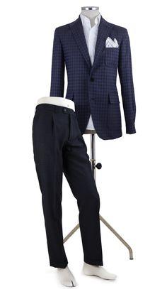 Lookbook02 Tebas Caballero TB01 80774812  - 100% Lana - Color Marino - Tipo de tejido:Sport    Pantalón P1PR FRESCO BR - 25% Terylene y 75% Lana - Color Gris oscuro - Tipo de tejido:Vestir