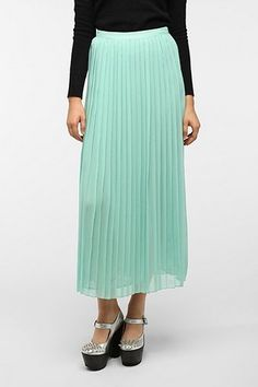 Sparkle & Fade Pleated Chiffon Maxi Skirt - Urban Outfitters