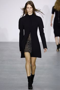 See the complete David Koma Fall 2016 Ready-to-Wear collection.