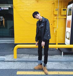 Find images and videos about korean, yellow and ulzzang on We Heart It - the app to get lost in what you love. Kim Sun, Ulzzang Boy, Korea Fashion, How To Look Better, Raincoat, Bomber Jacket, Mens Fashion, Boys, Jackets