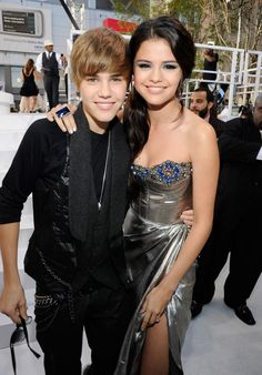 Pin for Later: A Sweet, Somewhat Hilarious History of Celebrity Couples at the MTV VMAs Justin Bieber and Selena Gomez, 2010