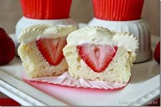 Surprise Strawberry Cupcakes with Cheesecake Frosting Strawberry Cheesecake Cupcakes Strawberry Cheesecake Cupcakes, Cheesecake Frosting, Coconut Cupcakes, Just Desserts, Delicious Desserts, Dessert Recipes, Yummy Food, Cupcake Recipes, Yummy Treats