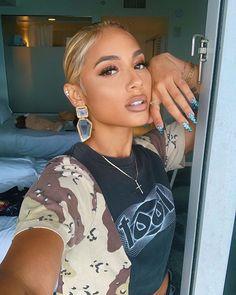 beauty makeup looks Beauty Makeup, Hair Makeup, Hair Beauty, Makeup Inspo, Pretty People, Beautiful People, Blond, Poses, Celebs