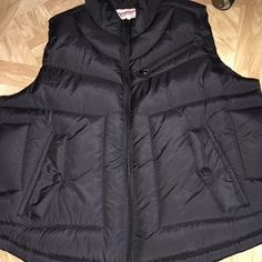 Puffer Vest Black puffer vest, new. Never been worn. Size listed in JUNIORS Arizona Jean Company Jackets & Coats Puffers
