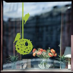 How To Shoot Photos Through A Window - Digital Photo Secrets Photo Tips, Photo Ideas, Photography Lessons, Spring Is Coming, Window Decals, How To Take Photos, Window Treatments, Windows, Table Decorations