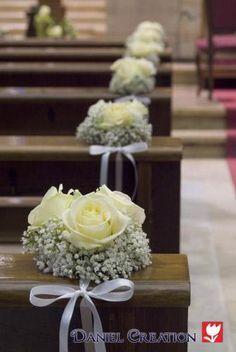Addobbi floreali matrimonio hochzeit in 2020 Floral Wedding Decorations, Church Wedding Decorations, Wedding Arrangements, Wedding Centerpieces, Floral Arrangements, Flowers Decoration, Wedding Pews, Diy Wedding, Wedding Bouquets