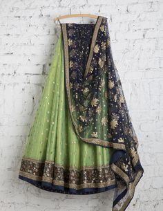 SwatiManish Lehengas SMF LEH 160 17 Olive green lehenga with ultramarine dupatta and blouse.The colour combination is so cool.The blouse should be bright pink in silk. Lehenga Choli Designs, Pakistani Dresses, Indian Dresses, Indian Sarees, Indian Wedding Outfits, Indian Outfits, Indian Attire, Indian Wear, Indische Sarees