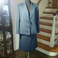 2 Pc Suit by Kasper 2 Pc Suit by Kasper NOT PART OF SALE we are a pet and smoking home Location 9 Kasper Skirts