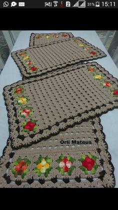 Beautiful handmade carpet for every environment. Crochet Stitches Patterns, Crochet Motif, Crochet Doilies, Easy Crochet, Free Crochet, Crochet Placemats, Crochet Home Decor, Crochet Projects, Creations