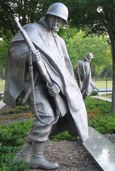 """OUR NATION HONORS HER SONS AND DAUGHTERS WHO ANSWERED THE CALL TO DEFEND A COUNTRY THEY NEVER KNEW AND A PEOPLE THEY NEVER MET."" Korean War Memorial, Washington, D.C."