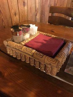 Wine Craft, Wine Cork Crafts, Wine Bottle Crafts, Wine Cork Art, Wine Cork Holder, Wine Corks, Wine Cork Projects, Bottle Cap Table, Basket Crafts