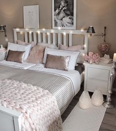 """8 Teen Bedroom Theme Ideas That's So Great! - Hoomble - Teens have unique ideas of what they consider as """"cool bedrooms."""" Teen bedroom themes reflect t - Room Ideas Bedroom, Bedroom Themes, Cozy Bedroom, Bedroom Styles, Decor Room, Girls Bedroom, Bedroom Neutral, Bedroom Small, Cute Bedroom Ideas For Teens"""
