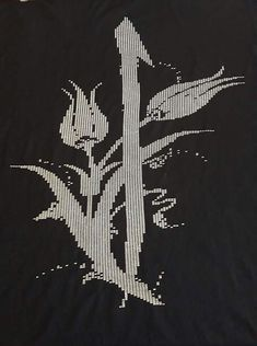 Arabesque Pattern, Embroidery Stitches, Elsa, Black And White, Crochet, Crafts, Hardanger, Trapper Keeper, Toss Pillows