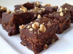 Brownie with chocolat toffee frosting. Brownie met chocolade toffee glazuur.