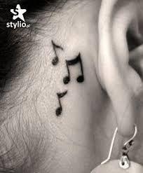 Nutki za uchem :3
