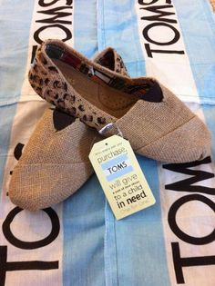 Hand painted Toms <3