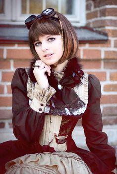 Beautiful.. a little lolita-esque